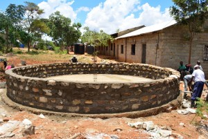 The Water Project : 4-kenya4500-construction