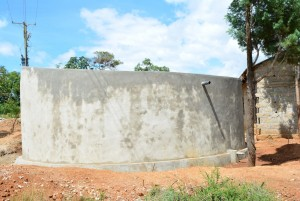 The Water Project : 4-kenya4500-finished-tank