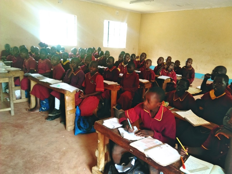 The Water Project : 5-kenya4613-classroom