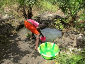 The Water Project : 1-sierraleone5084-fetching-water