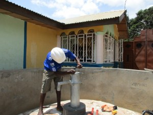 The Water Project : 12-sierraleone5098-construction