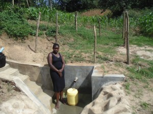 The Water Project : 14-kenya4564-protected-spring