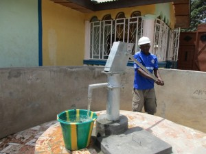 The Water Project : 14-sierraleone5098-construction