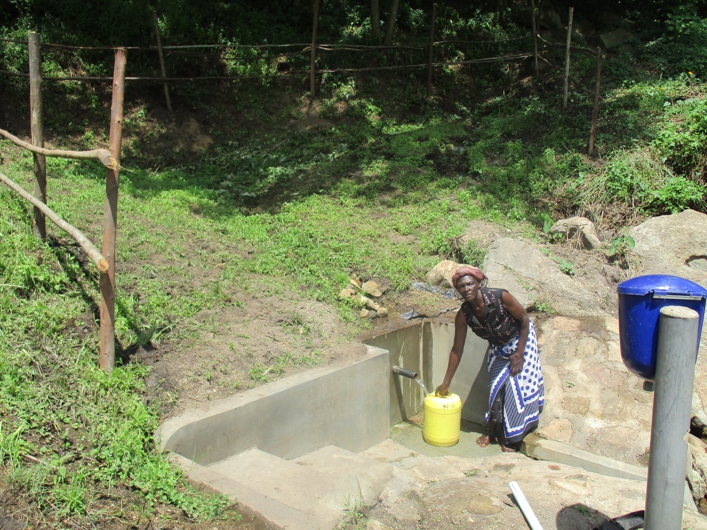 The Water Project : 15-kenya4566-protected-spring