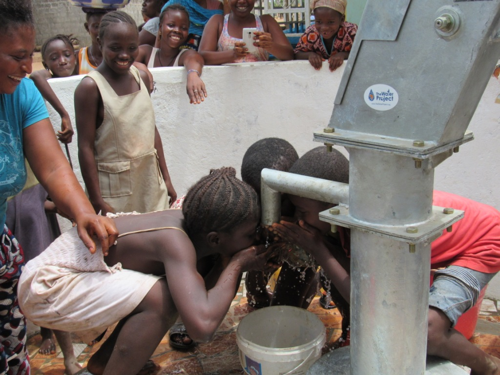 The Water Project : 23-sierraleone5098-handing-over