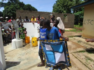 The Water Project : 29-sierraleone5086-dedication