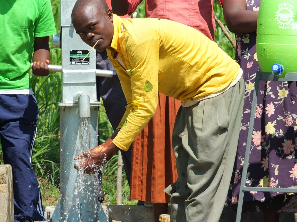 The Water Project : 36-kenya4528-handing-over