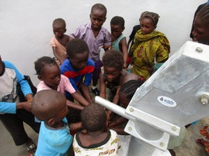 The Water Project : 37-sierraleone5086-dedication