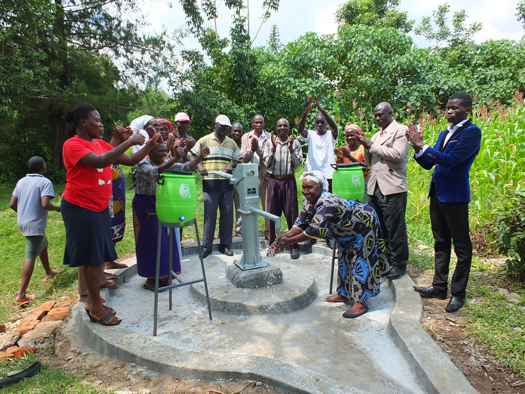 The Water Project : 38-kenya4529-handing-over