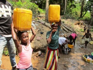 The Water Project : 4-sierraleone5086-carrying-water