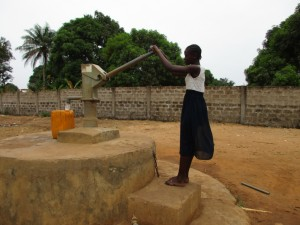 The Water Project : 4-sierraleone5087-current-well