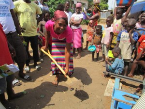 The Water Project : 10-sierraleone5085-breaking-ground