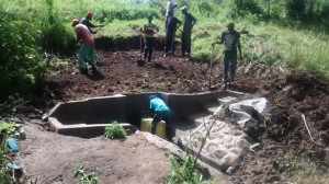The Water Project : 16-kenya4565-construction