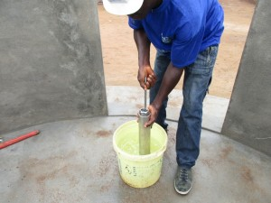 The Water Project : 17-sierraleone5087-pump-installation