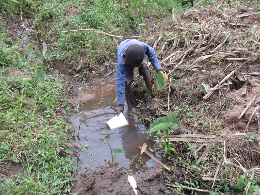 The Water Project : 2-kenya4576-unprotected-spring