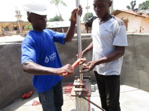 The Water Project : 21-sierraleone5087-pump-installation