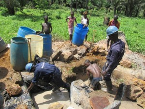 The Water Project : 25-sierraleone5084-drilling
