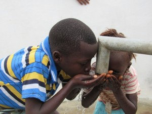 The Water Project : 29-sierraleone5085-dedication