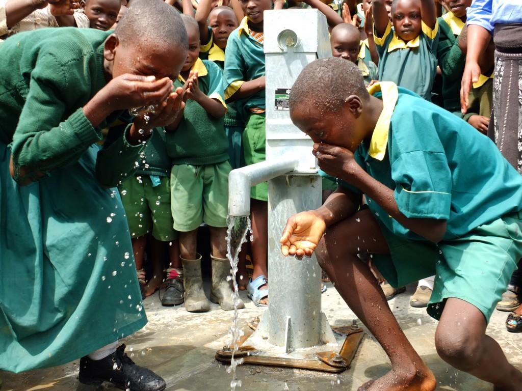 The Water Project : 36-kenya4532-handing-over