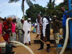 The Water Project : 39-sierraleone5087-groundbreaking