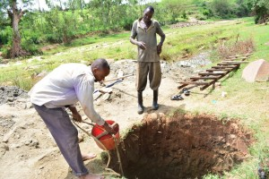 The Water Project : 4-kenya4485-construction