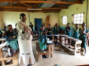 The Water Project : 9-kenya4532-younger-class-training