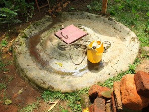 The Water Project : 9-kenya4535-unprotected-well