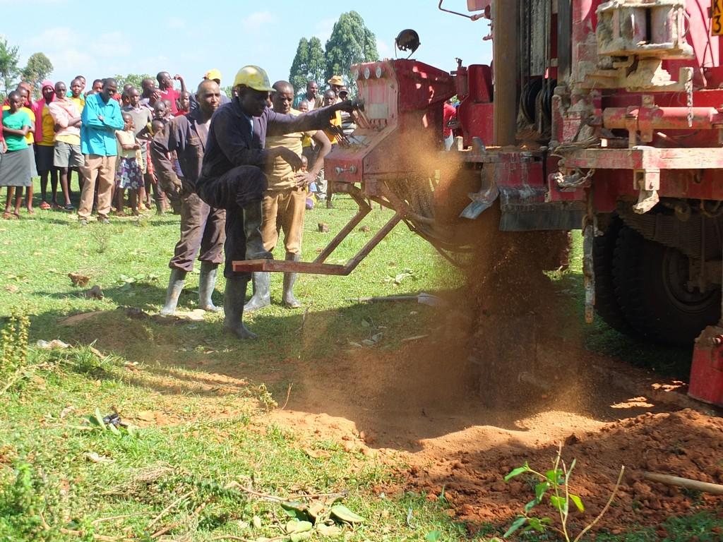 11 kenya4369 drilling