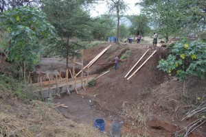 The Water Project : 11-kenya4463-construction