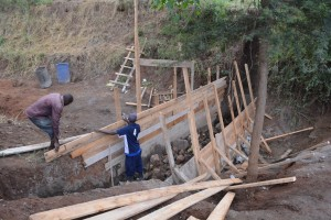 The Water Project : 13-kenya4463-construction