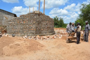 The Water Project : 13-kenya4501-construction
