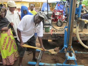 The Water Project : 13-sierraleone5089-breaking-ground