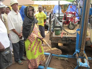 The Water Project : 14-sierraleone5089-breaking-ground