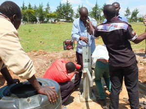 The Water Project : 15-kenya4369-pump-installation