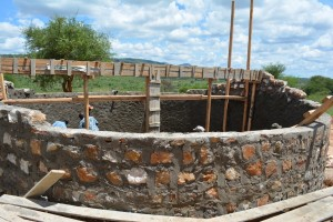 The Water Project : 16-kenya4501-construction