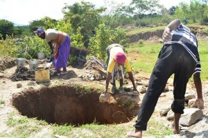 The Water Project : 2-kenya4486-construction