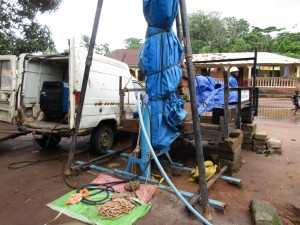 The Water Project : 22-sierraleone5089-test-pumping
