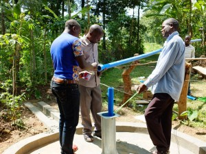 The Water Project : 27-kenya4535-pump-installation