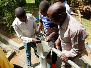 The Water Project : 31-kenya4535-pump-installation