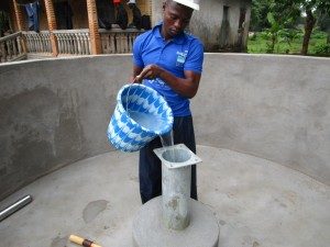 The Water Project : 31-sierraleone5089-pump-installation