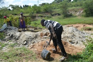 The Water Project : 4-kenya4486-construction