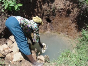 The Water Project : 4-kenya4581-fetching-water