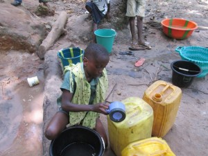 The Water Project : 4-sierraleone5082-fetching-water