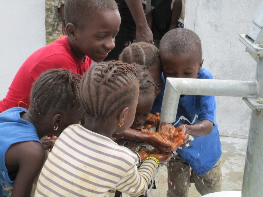 The Water Project : 46-sierraleone5089-dedication