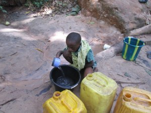 The Water Project : 6-sierraleone5082-fetching-water