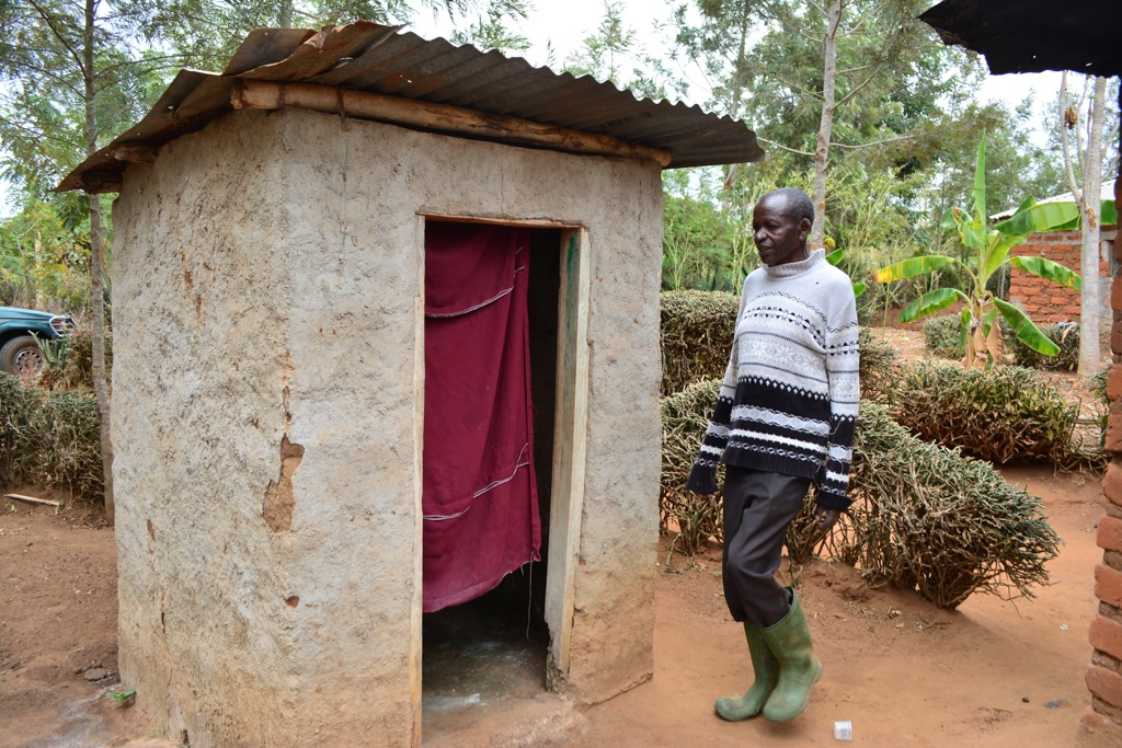The Water Project : 1-kenya4469-patrick-kiemas-latrine