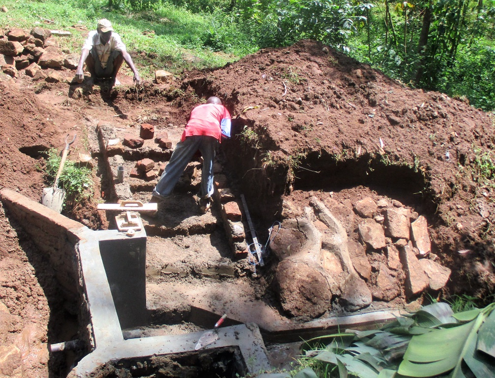 The Water Project : 1-kenya4580-construction