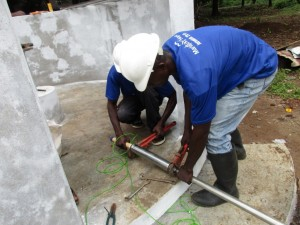 The Water Project : 21-sierraleone5082-pump-installation
