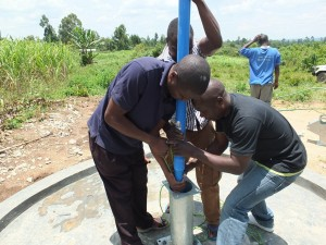 The Water Project : 26-kenya4537-pump-installation