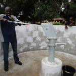 The Water Project : 26-sierraleone5082-pump-installation